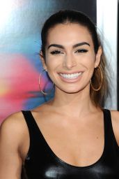 "Ashley Iaconetti – ""Flatliners"" Premiere in Los Angeles 09/27/2017"