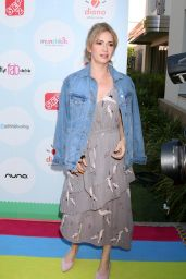 Ashley Jones - Celebrity Red Carpet Safety Awareness Event in Culver City 09/23/2017