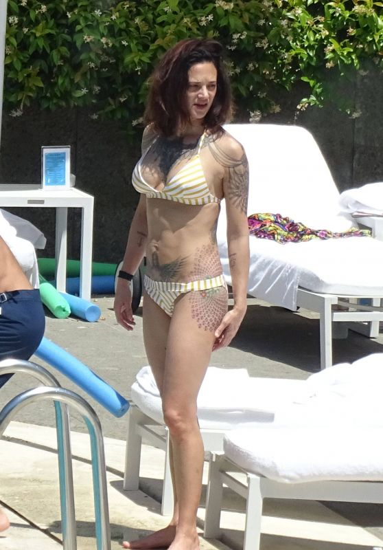 Asia Argento in Bikini at the Hotel Hilton's Swimming Pool in Rome