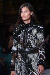 Bianca Balti – Balmain Fashion Show in Paris 09/28/2017