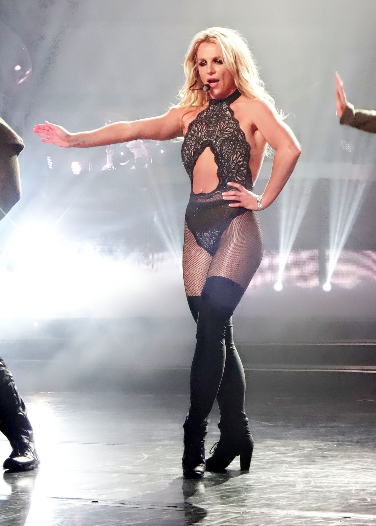 Discussion on this topic: Naomi campbell style tribeca in ny, britney-spears-performs-at-axis-in-las/