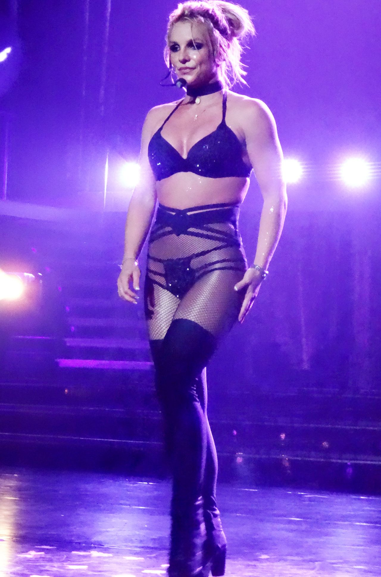 Britney spears performs at axis in las vegas