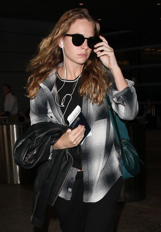 Britt Robertson at LAX Airport in LA 09/27/2017