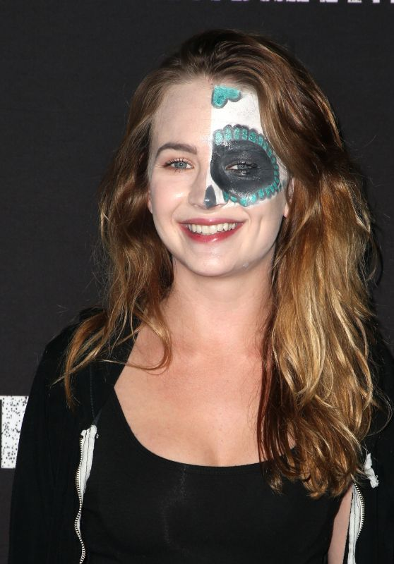 Britt Robertson – Knott's Scary Farm Celebrity Night in Buena Park CA 09/29/2017