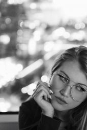 Brooke Sorenson - Social Media Pics 09/26/2017