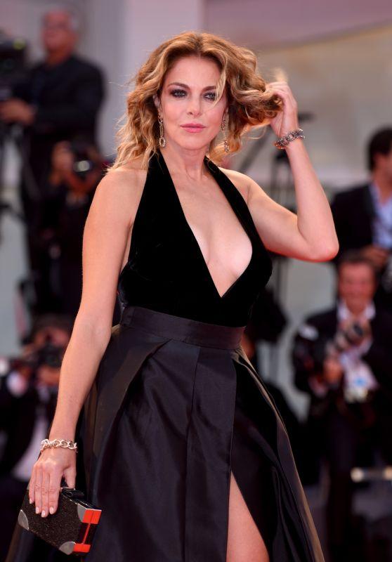 """Claudia Gerini - """"Ammore e Malavita"""" Premiere at the Venice Film Festival 09/06/2017"""