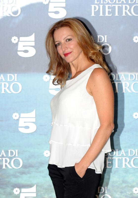 Clotilde Sabatino – 'L'Isola di Pietro' Movie Photocall in Milan, Italy 09/21/2017