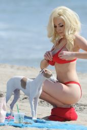 Courtney Stodden in Bikini - Beach in Los Angeles 08/29/2017