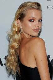 Daphne Groeneveld – UNITAS Gala Against Human Trafficking at NYFW in New York 09/12/2017