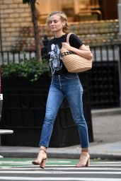 Diane Kruger Casual Style - Steps Out for Breakfast in NYC 09/26/2017