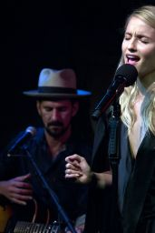 Dianna Agron Performs Onstage With Gill Landry in NYC 09/19/2017