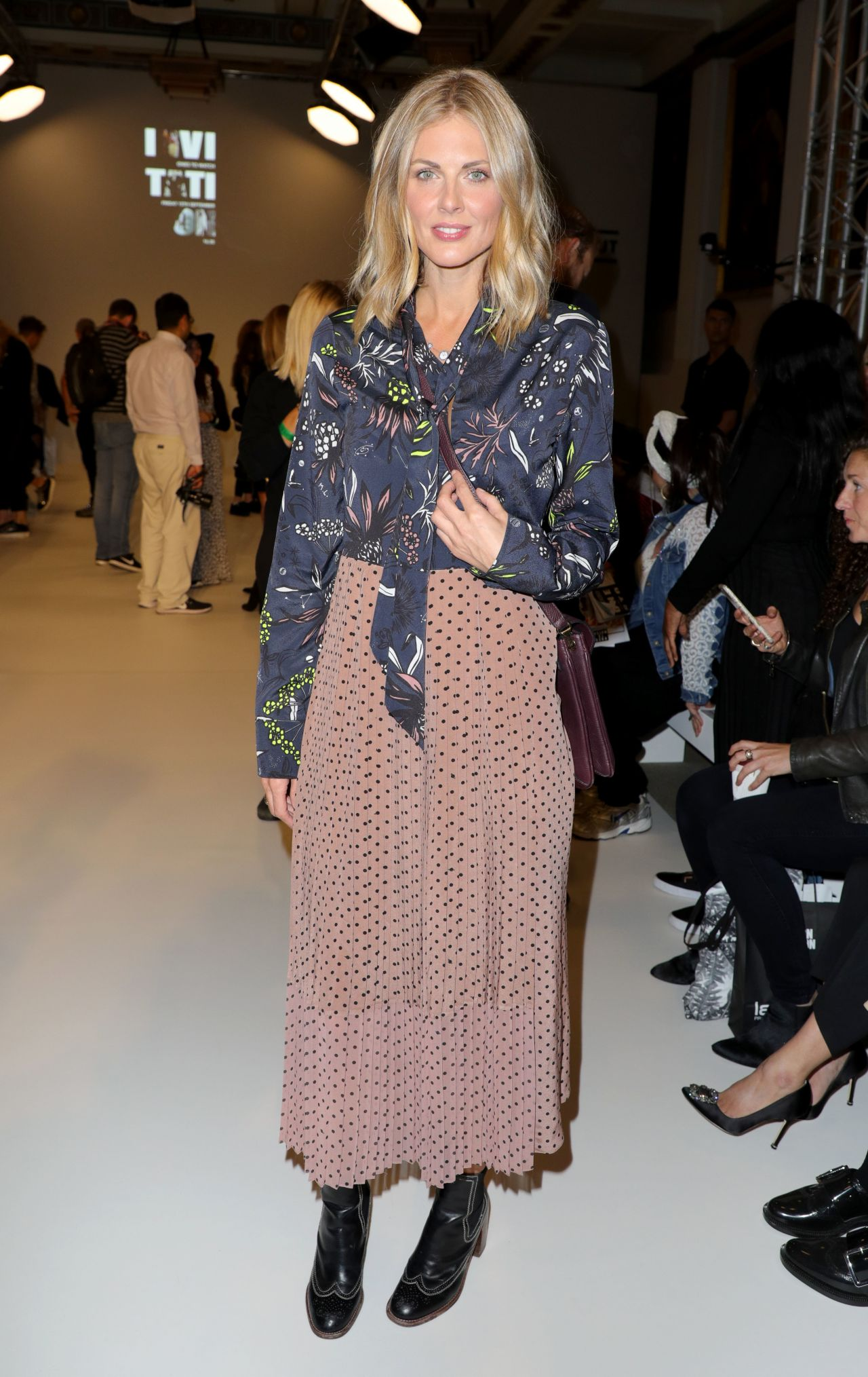 Donna air fashion scout one to watch show in london naked (71 photos), Paparazzi Celebrites pictures