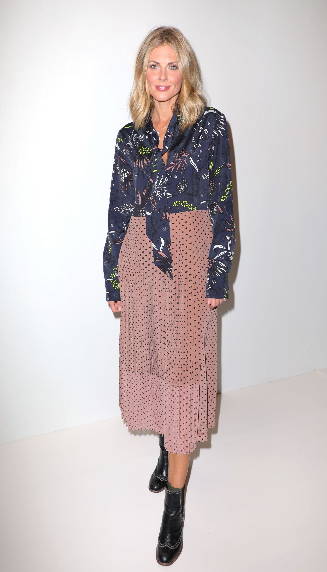 Donna air fashion scout one to watch show in london nudes (53 images)
