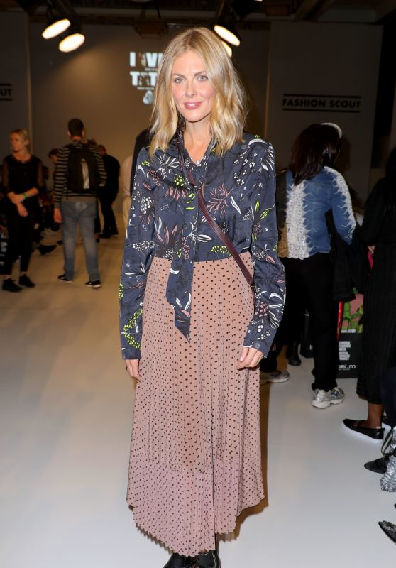 "Donna Air - Fashion Scout ""One To Watch"" Show in London 09/15/2017"