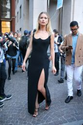 Doutzen Kroes - Versace Fashion Show in Milan, Italy 09/22/2017