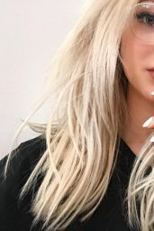 Dove Cameron – Social Media Pics 09/26/2017