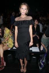 Dylan Penn – Marchesa Fashion Show in New York 09/13/2017