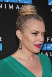 Elaine Hendrix – Mercy For Animals Annual Hidden Heroes Gala in Los Angeles 09/23/2017