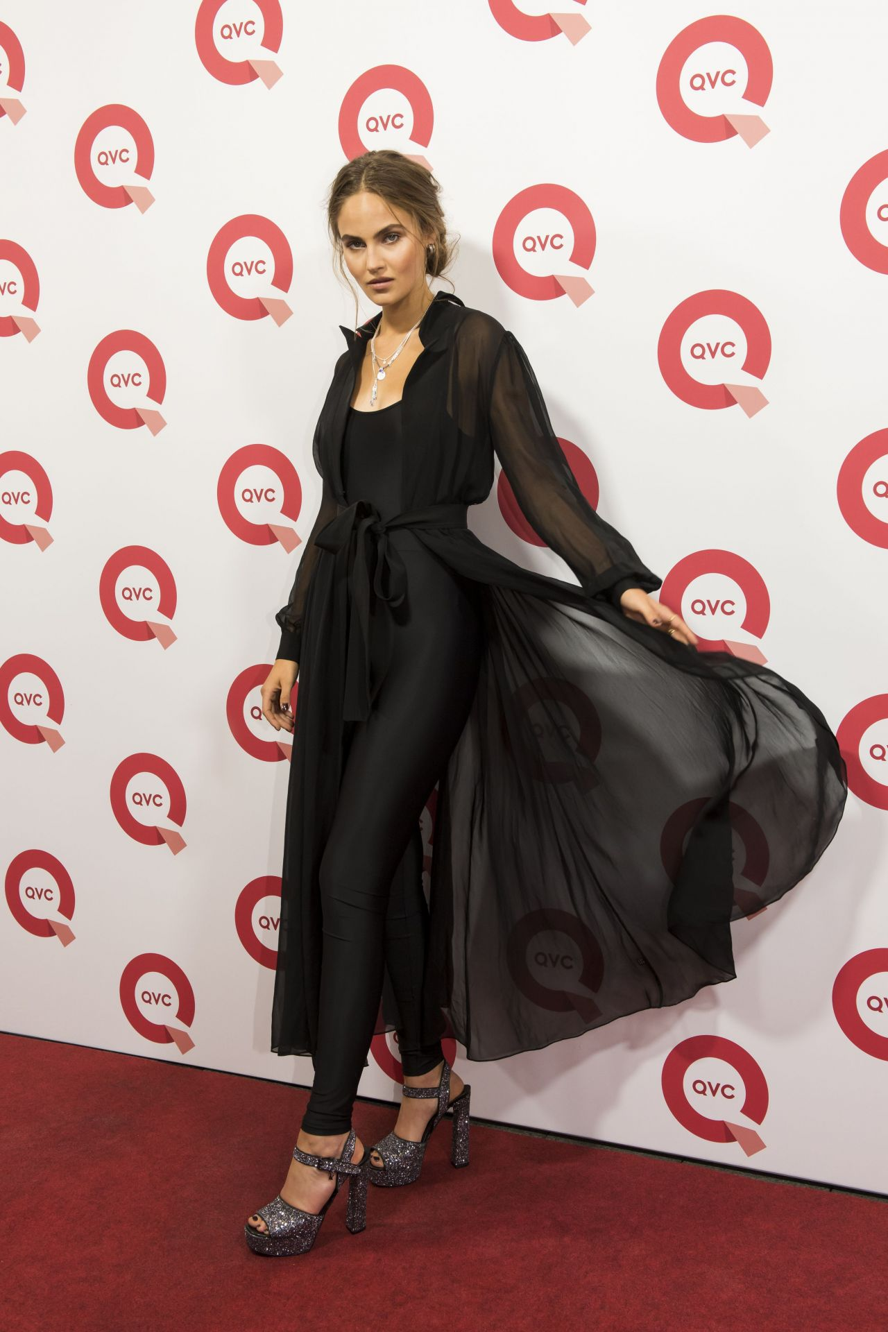 elena carri re qvc vogue fashion night in d sseldorf 09 08 2017. Black Bedroom Furniture Sets. Home Design Ideas
