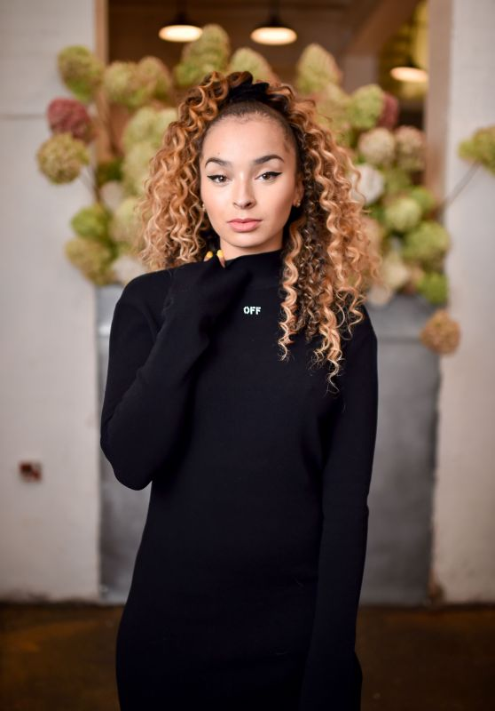 Ella Eyre – Off White x Mytheresa.com Event in London 09/17/2017