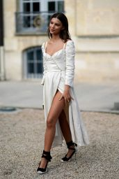 Emily Ratajkowski - Christian Dior Fashion Show in Paris 09/26/2017