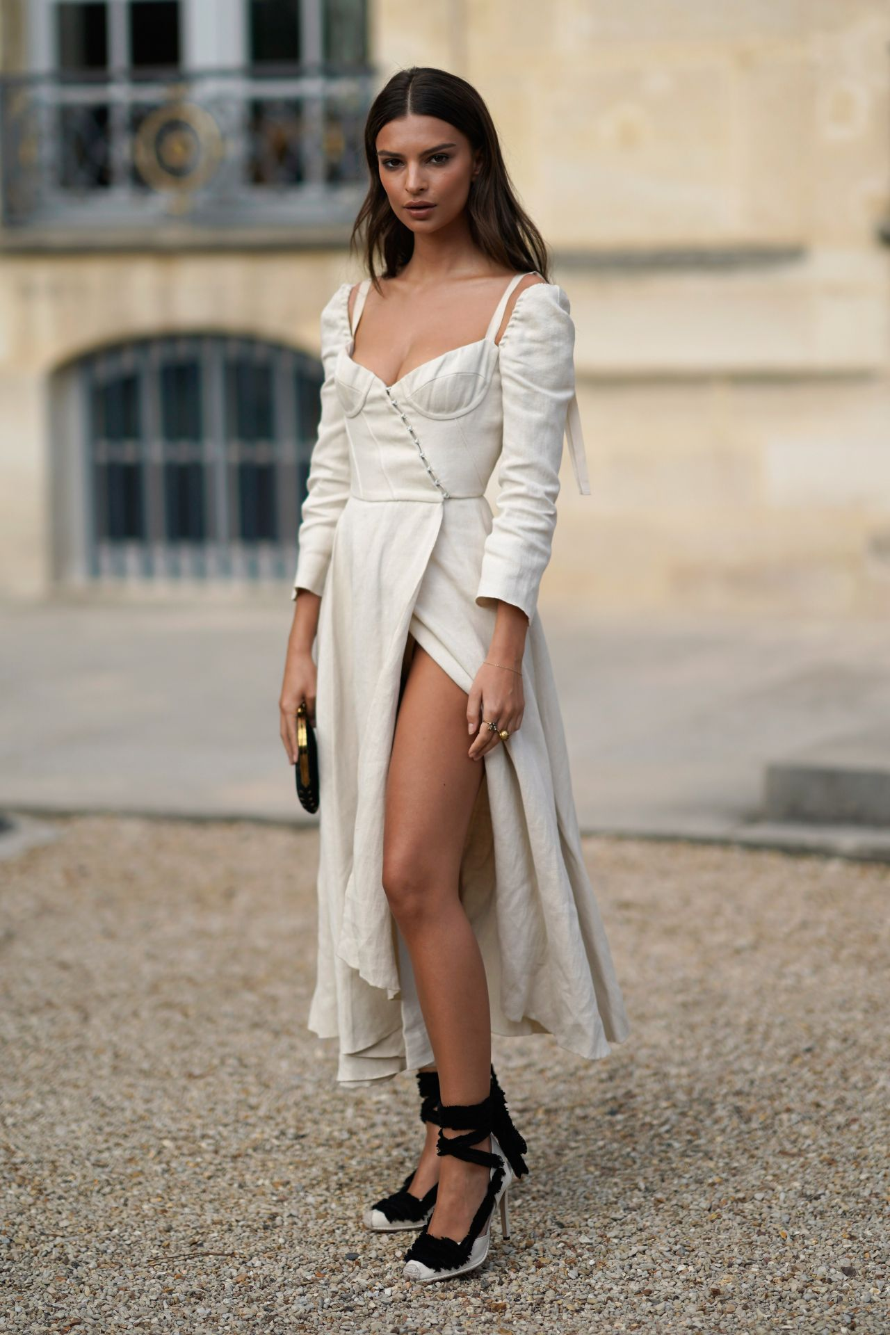 emily-ratajkowski-christian-dior-fashion-show-in-paris-09-26-2017-15.jpg