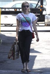 Emma Roberts - Grabs a Bag of Groceries at Bristol Farms in West Hollywood 08/31/2017