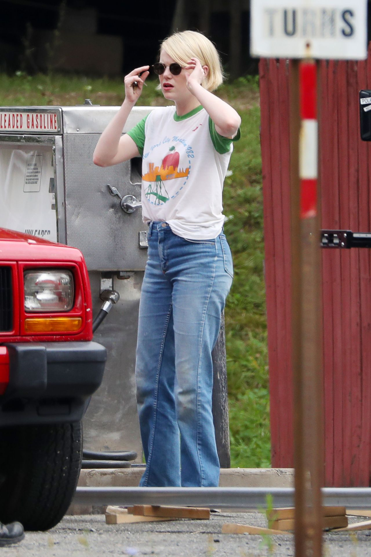 "Emma Stone - Shooting Scenes on the Set of ""Maniac"" in Upstate New York 09/05/2017"