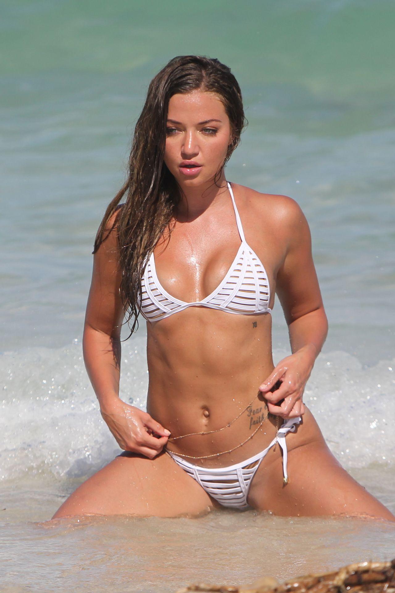 Erika Costell Bikini Photoshoot - Miami Beach 09012017-8021