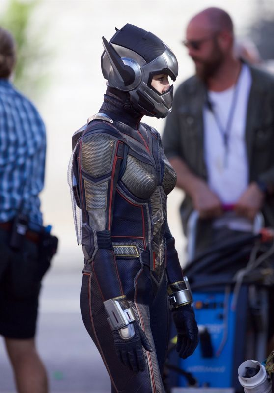 "Evangeline Lilly - ""Ant-Man And The Wasp"" Set in Atlanta 09/20/2017"