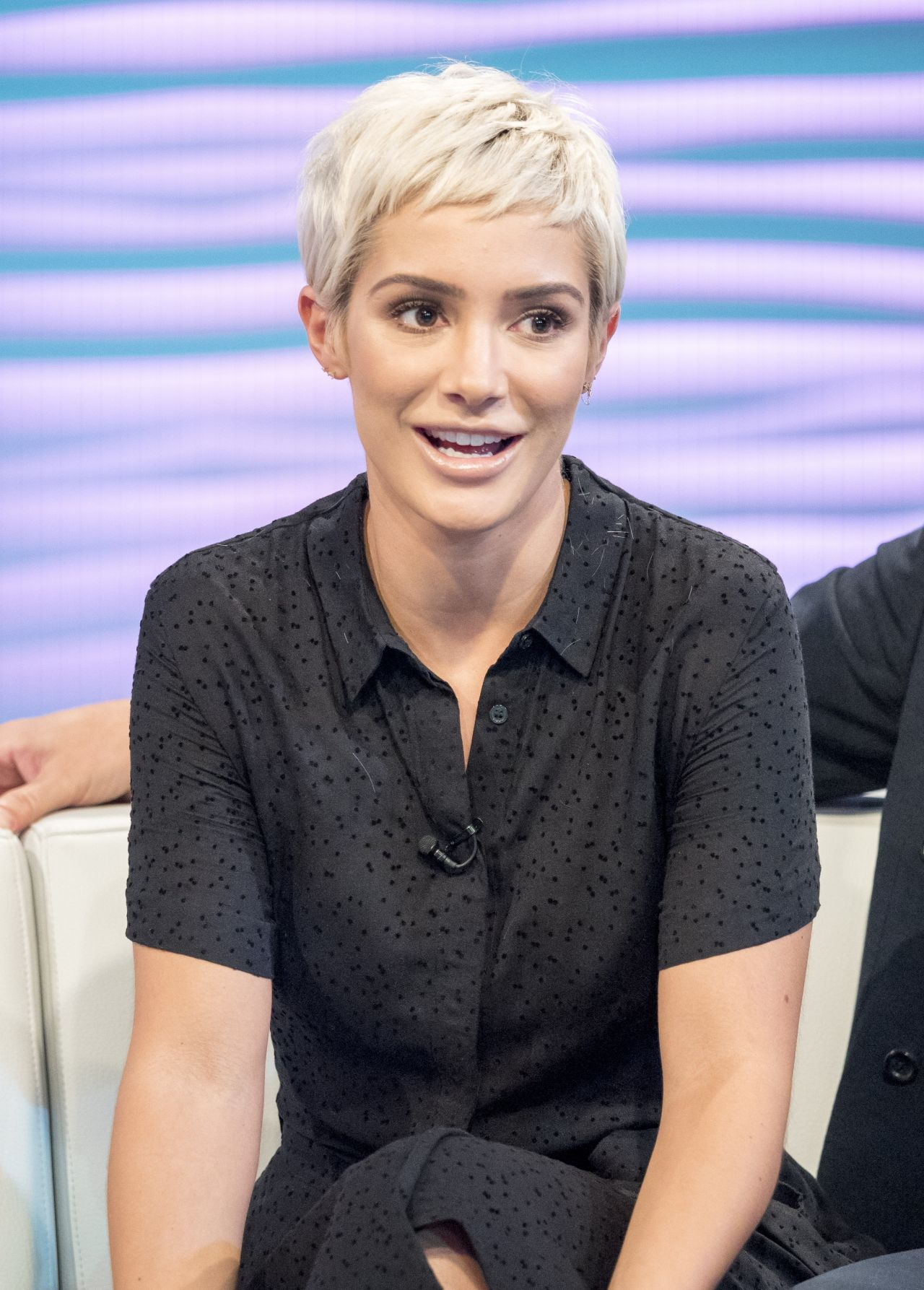 Frankie Bridge Quot Lorraine Quot Tv Show In London 09 22 2017