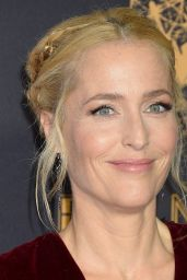 Gillian Anderson – Emmy Awards in Los Angeles 09/17/2017