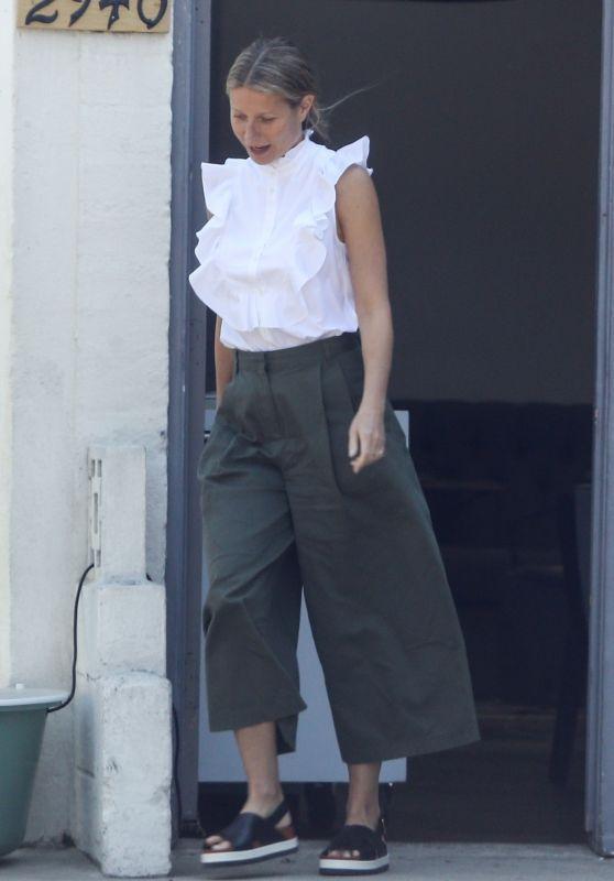 Gwyneth Paltrow - Out in Santa Monica 09/26/2017