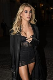 Hailey Baldwin – Dolce and Gabbana Show in Milan 09/24/2017