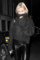Hailey Baldwin - Outside Nobu Berkeley Restaurant in Mayfair, London 09/13/2017