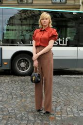 Haley Bennett Chloe SS18 Fashion Show in Paris 09/28/2017