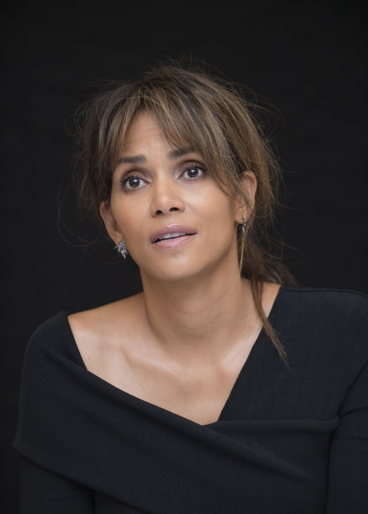 """Halle Berry – """"Kingsman: The Golden Circle"""" Press Conference in London 09/18/2017"""