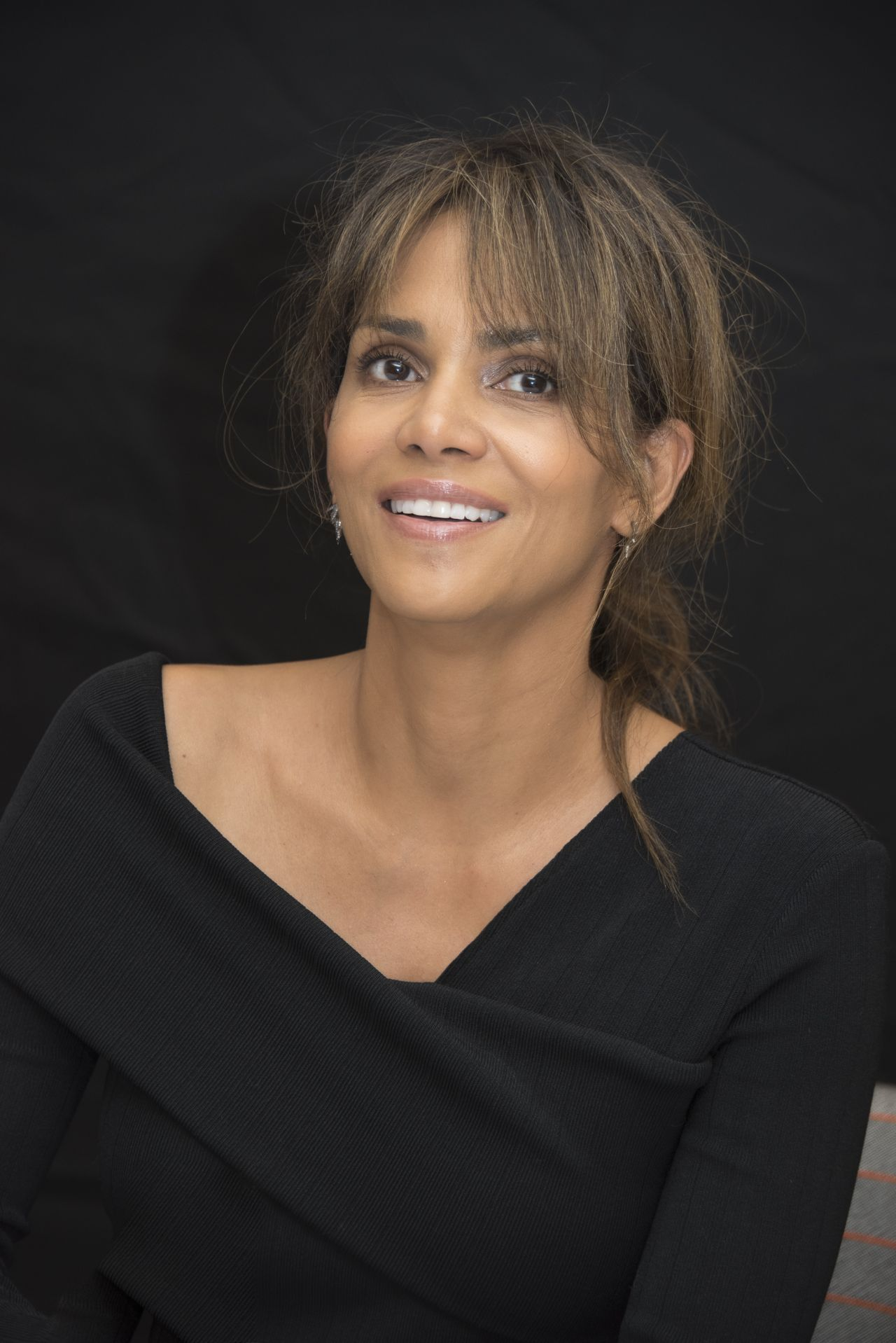 "Halle Berry – ""Kingsman: The Golden Circle"" Press ..."