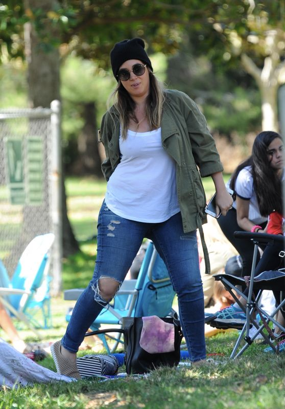 Haylie Duff at the Park in Los Angeles 09/23/2017