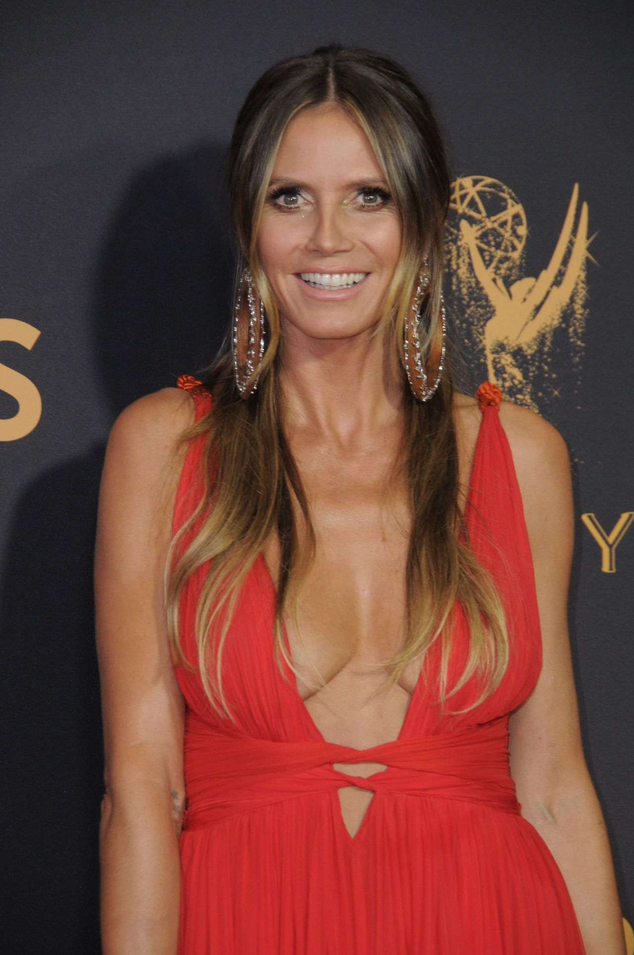 heidi klum emmy awards in los angeles 09 17 2017. Black Bedroom Furniture Sets. Home Design Ideas