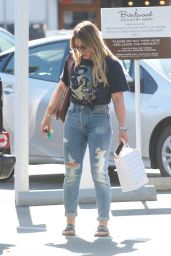 Hilary Duff - Goes to Lunch in Brentwood 09/24/2017