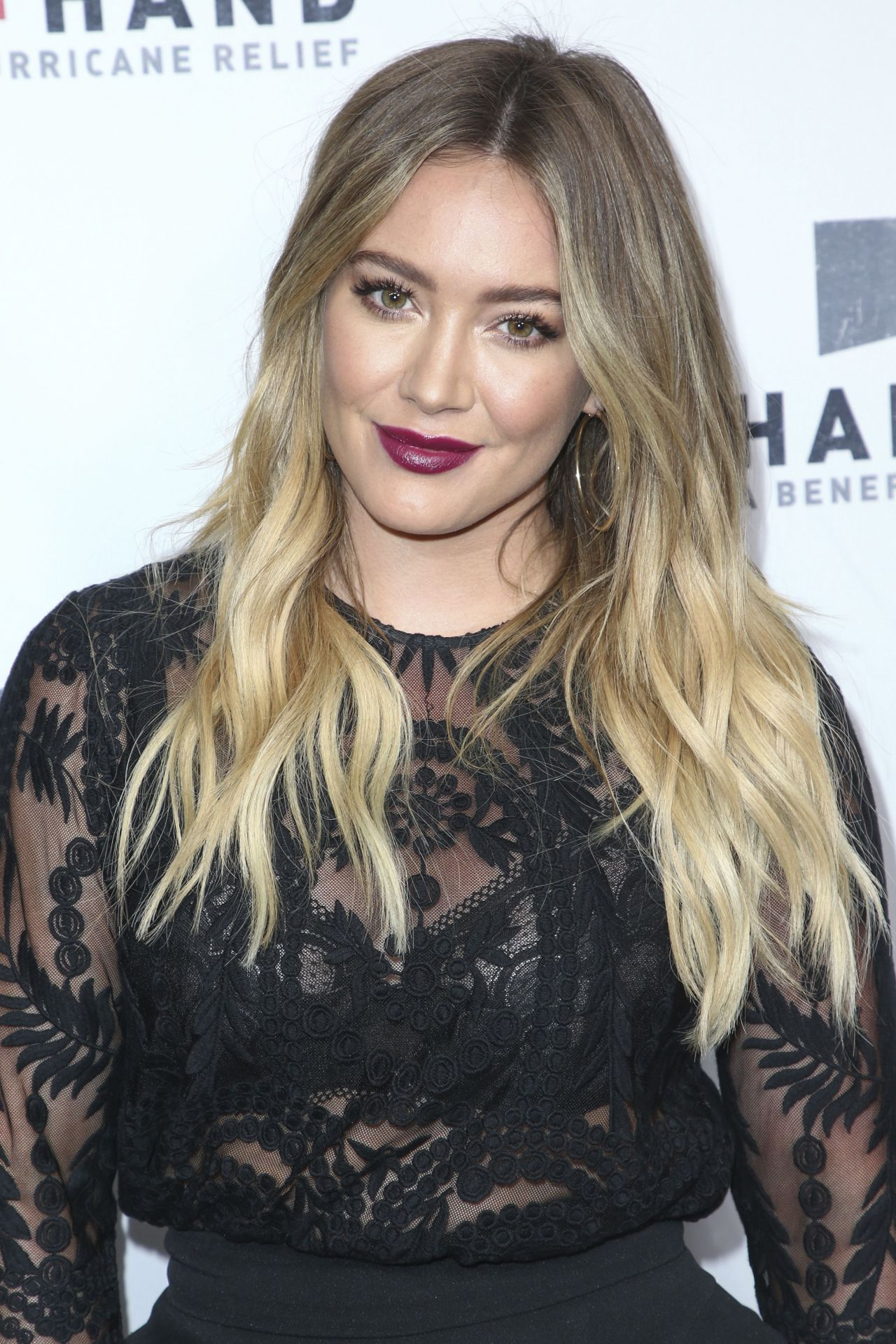 Hilary Duff - Hand in Hand: A Benefit for Hurricane Harvey ... Hilary Duff