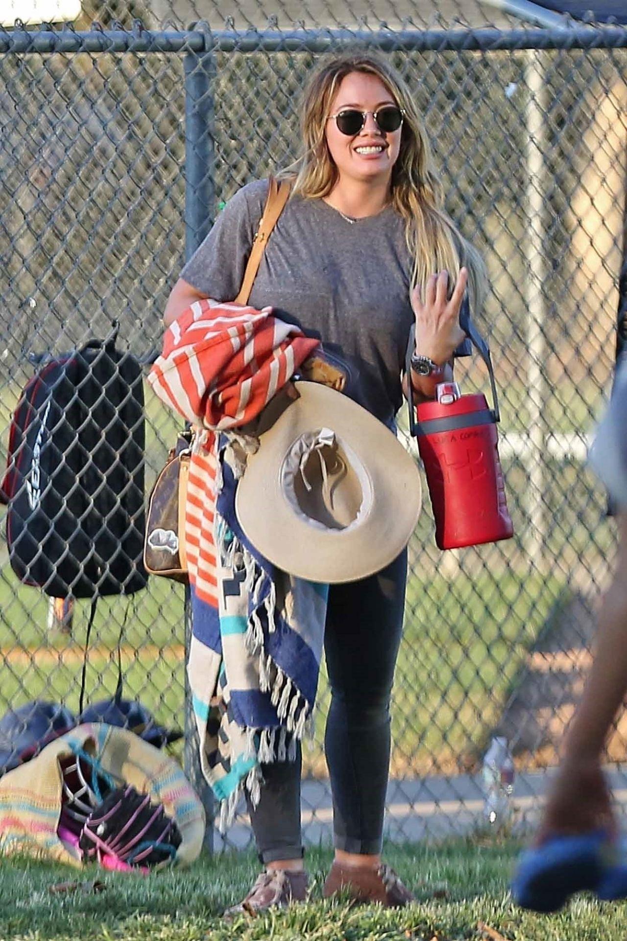 Hilary Duff - Toluca Lake, CA 09/05/2017