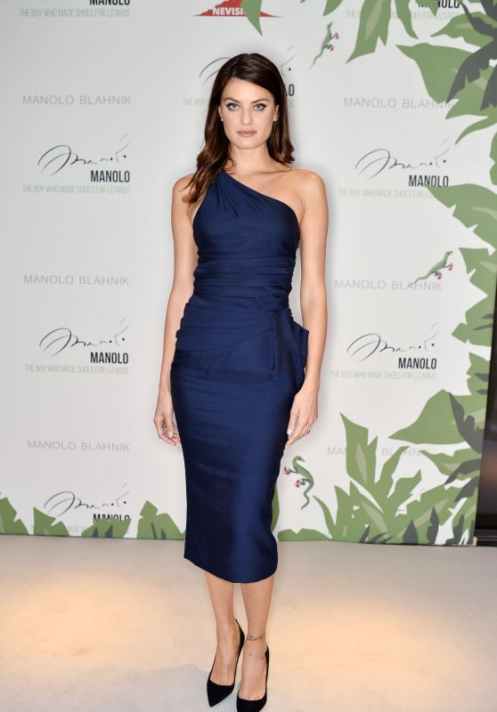 """Isabeli Fontana – """"Manolo: The Boy Who Made Shoes for Lizards"""" VIP Screening in London 09/18/2017"""