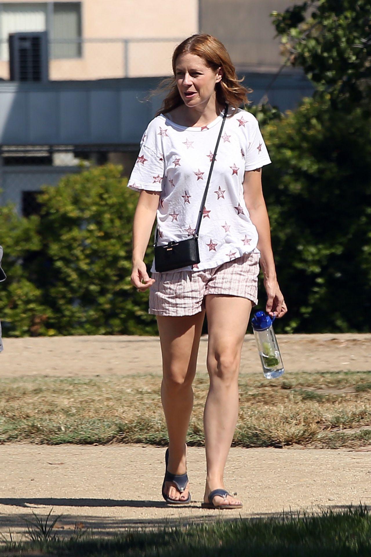 Jenna fischer pantyhose