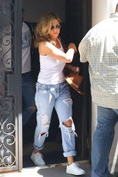Jennifer Aniston in Ripped Jeans - New York City 07/19/2017