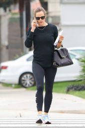 Jennifer Garner in Tights - Talks on the Phone in LA 09/12/2017