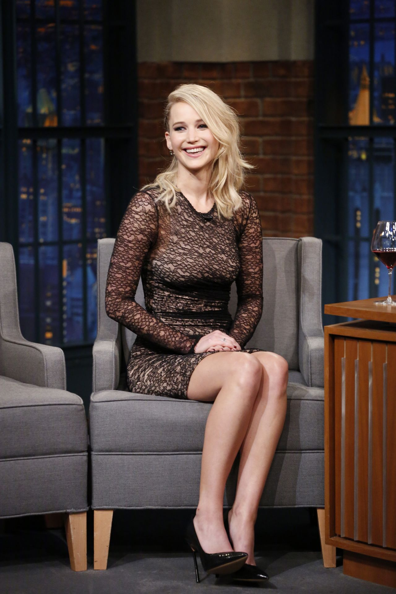 Jennifer Lawrence gorgeous on Late Night with Seth Meyers
