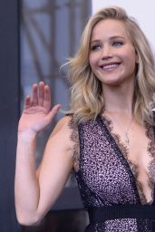 """Jennifer Lawrence - """"Mother"""" Photocall at the Venice Festival 09/05/2017"""