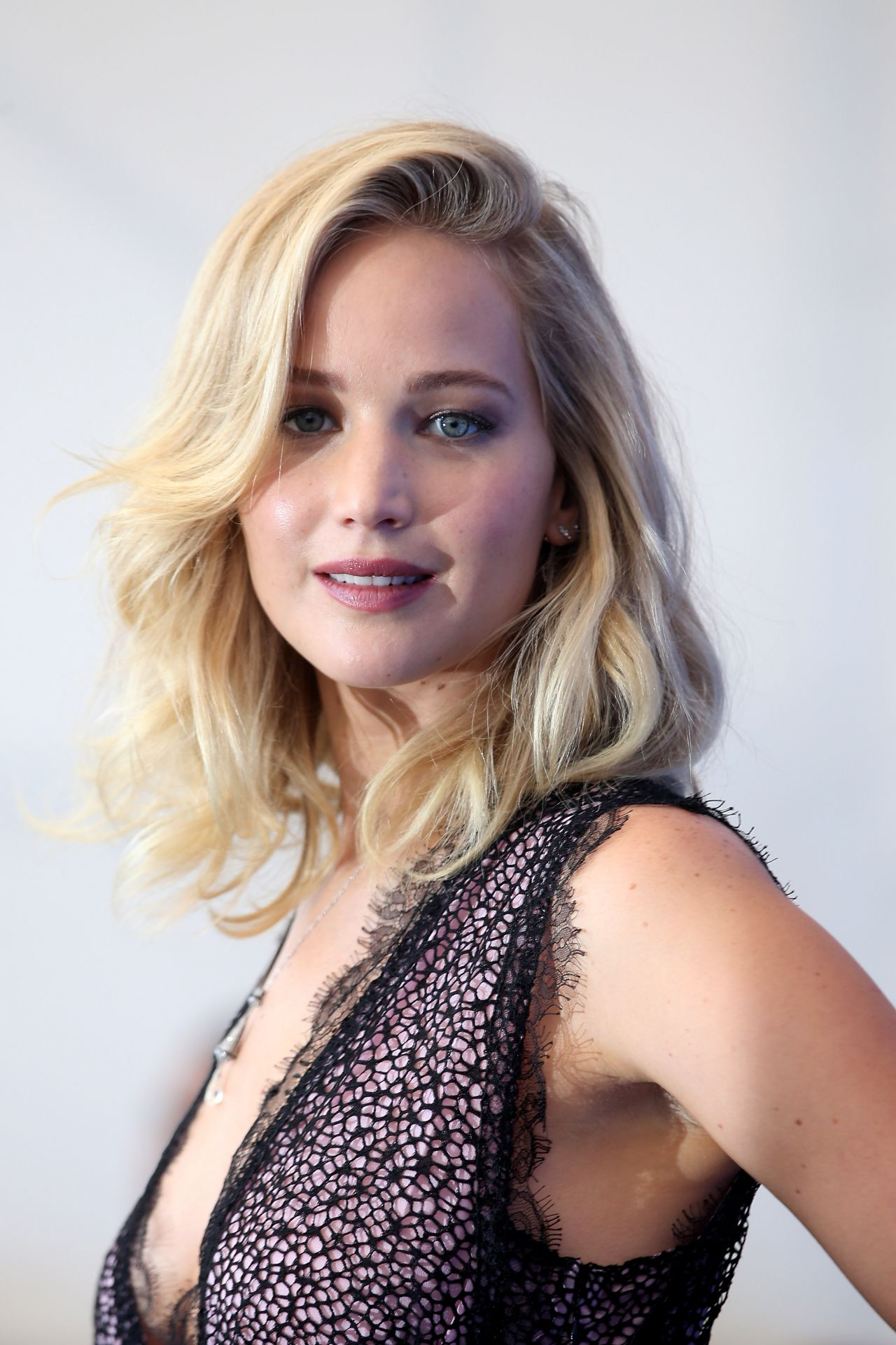 "Jennifer Lawrence - ""Mother"" Photocall at the Venice ..."